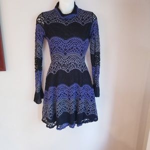 Romeo + juliet couture lace long sleeved dress